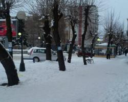 Внимателно надвор по ледени и неисчистени улици (фото)