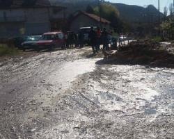 Пукна цевка на главен вод за вода во Проевце – фото + видео