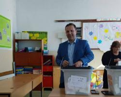 Министерот Спасовски : Апелирам до граѓаните на достоинствен начин покажеме дека  овој ден ќе даде допринес кон реформите во македонското општество
