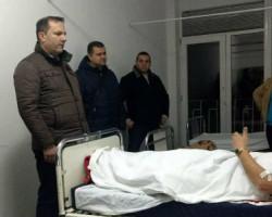 Министерот за внатрешни работи го посети повредениот полицаец