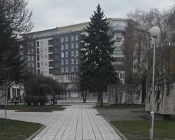 Комуналната инспекција ги отстрани дивите тезги на плоштадот во Куманово