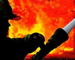 Работник повреден во пожар во фабрика за чевли во Куманово
