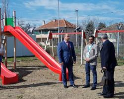 СОС Детско село на општина Куманово донираше опрема за  детски игралишта