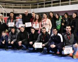 """Две златни медали на државниот натпревар во Кик бокс за членовите на клуб """"Предатор""""од Куманово"""