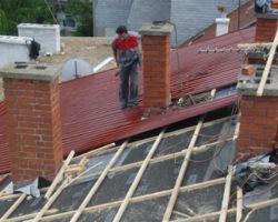 Работник паднал од кров во Умин Дол