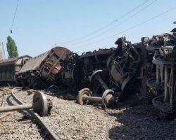 Железничкиот сообраќај на пругата Куманово – Скопје е во прекин, се отстрануваат излизганите вагони