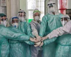 Доброволци од Куманово, направија и доставија визири и заштитна опрема за медицинскиот персонал