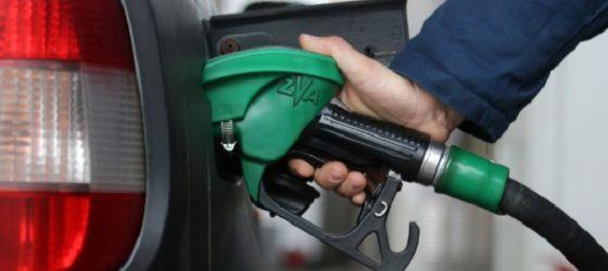 Дизелот поскапува за половина денар, а цената на бензините останува иста