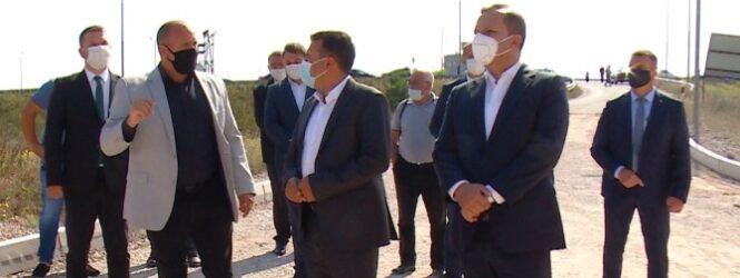 """Премиерот Заев од зоната """"Речица и Новине""""- Бизнисмените да инвестираат во атрактивна зона, државата ќе продолжи со поддршката"""