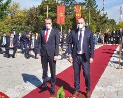 Петрушевски- СДСМ  лаже дека нашата делегација не ја испочитувала државната химна